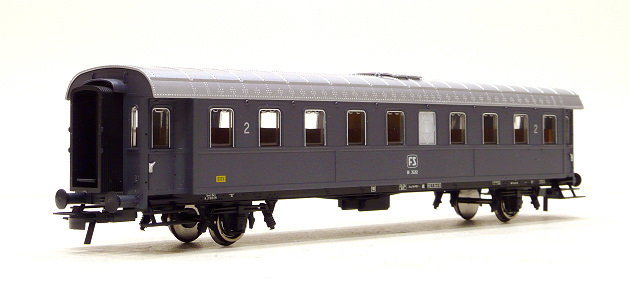 ACME 50473 Carrozza a due assi tipo 1936 di 2? cl. BI 35212